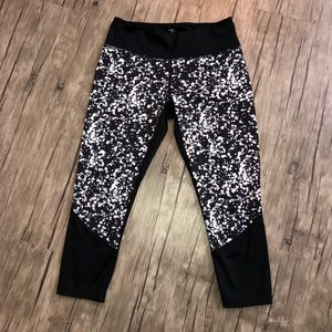 Z by Zella Yoga Pants, see thru calf Exc Condition